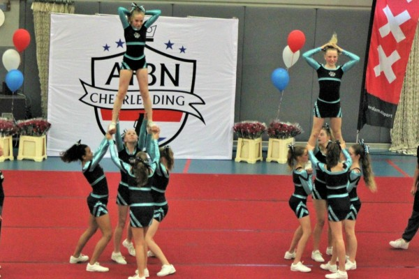 All girl cheerleading EK Zagreb